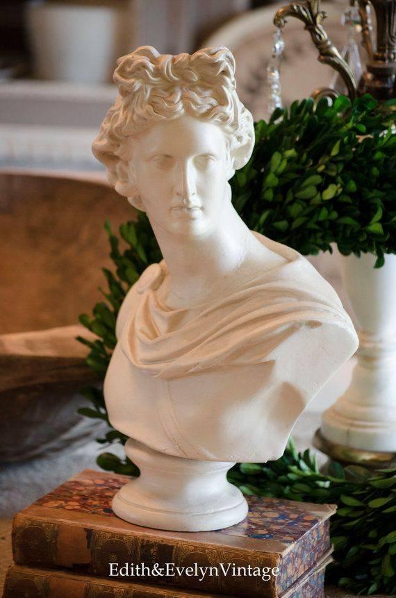 Скульптуры и бюсты для декора интерьера