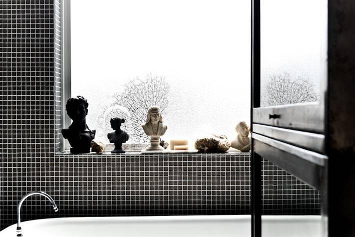 бюсты в интерьере ванной комнаты