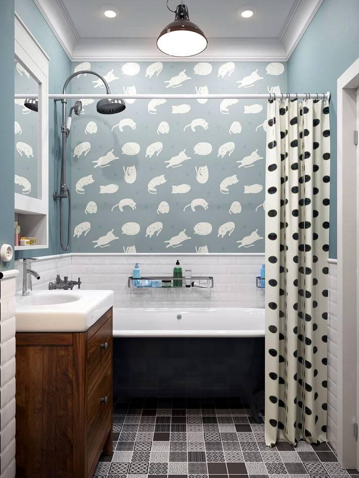 красивая ванная комната с голубыми обоями фото