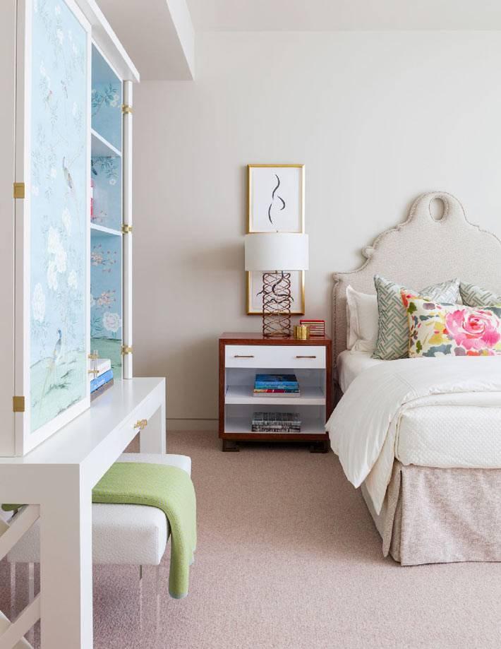 нежный дизайн интерьера спальни в пастельных отттенках фото