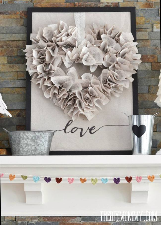картина с объёмным сердцем из бумаги фото