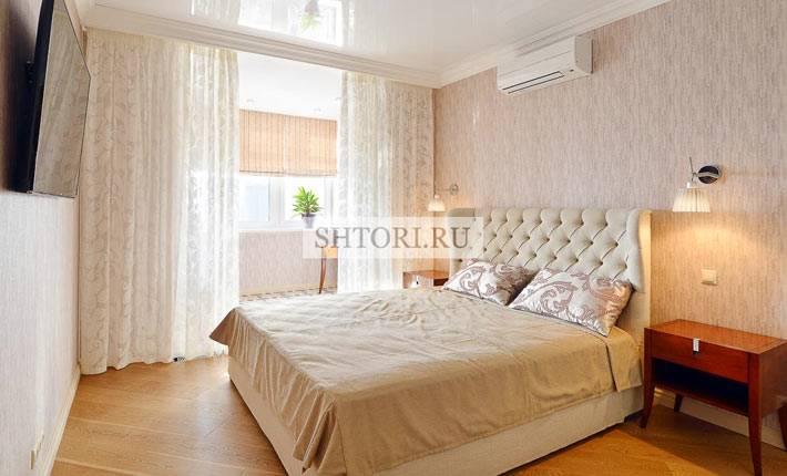 красивая плотная тюль в интерьере спальни фото