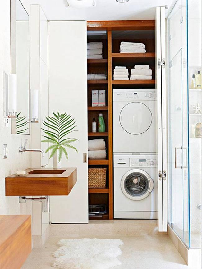 отгорожженная прачечная со стиральными машинками в ванной фото
