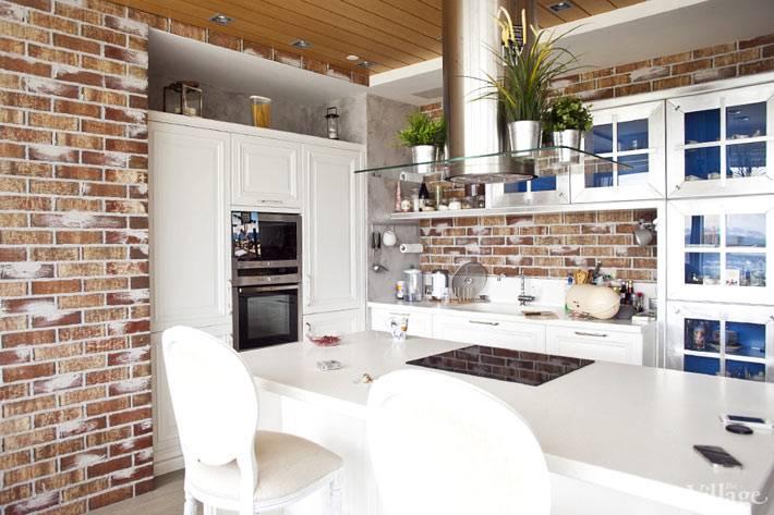 кирпичная стена на кухне фото