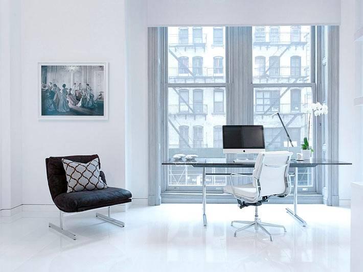 Минимализм в оформлении рабочего кабинета