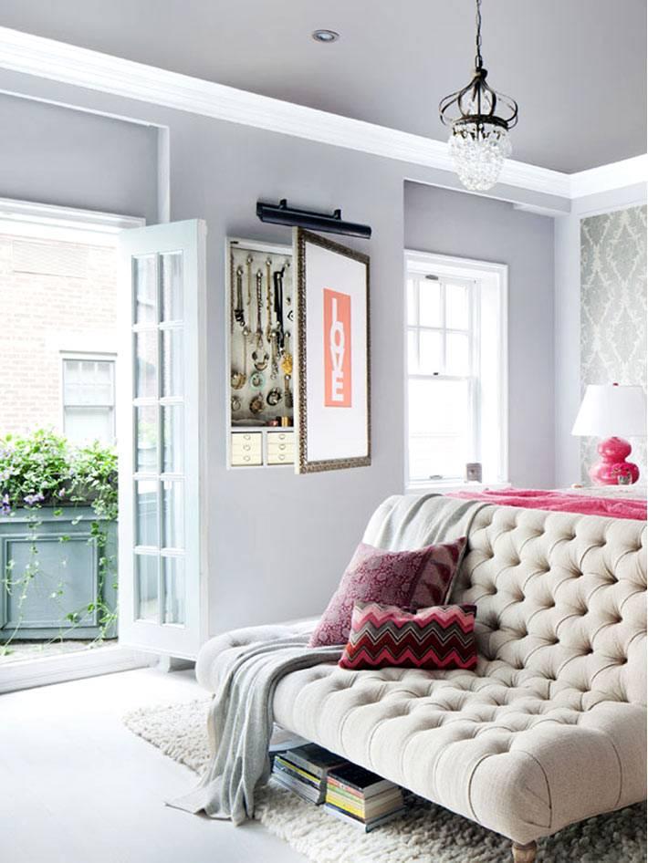 красивая женская спальня с балконом фото
