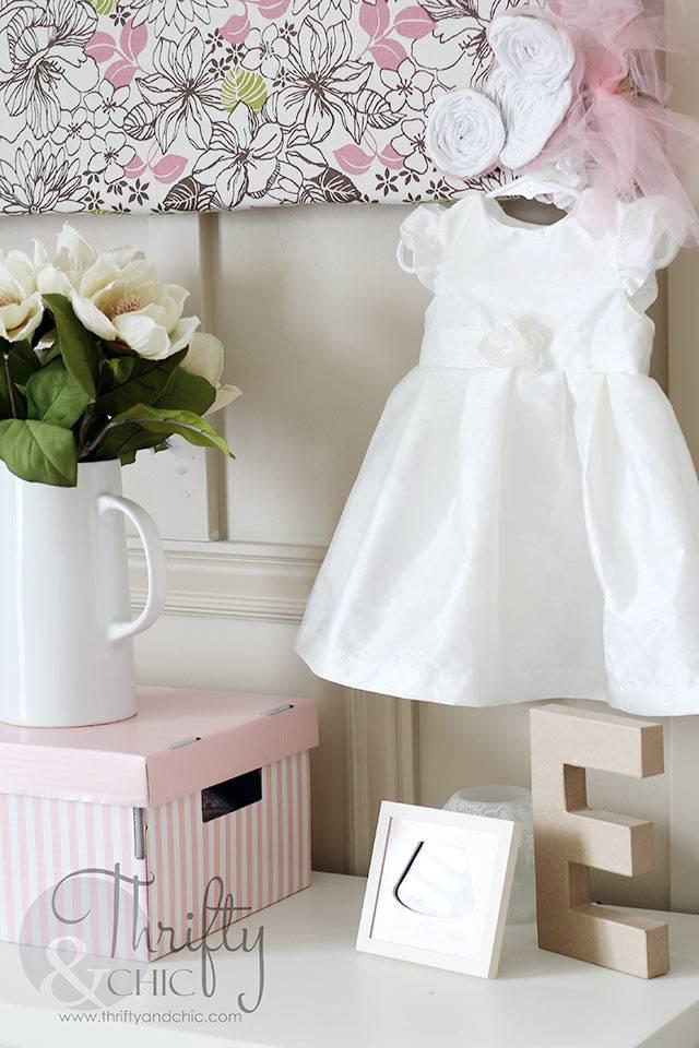 Платье как элемент декора в интерьере детской комнаты