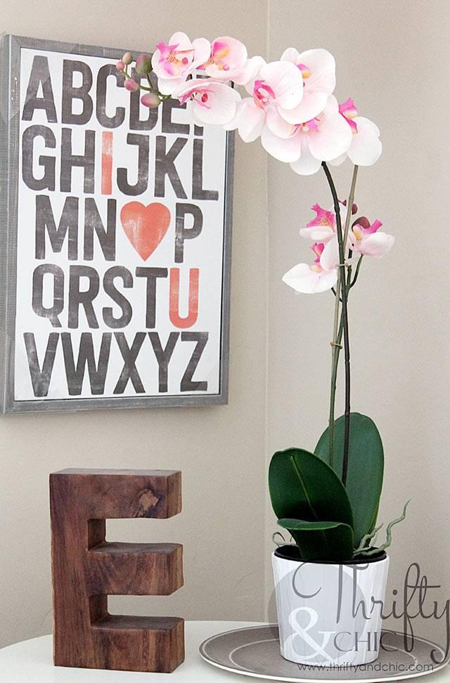 розовая орхидея и алфавит - украшение детской комнаты