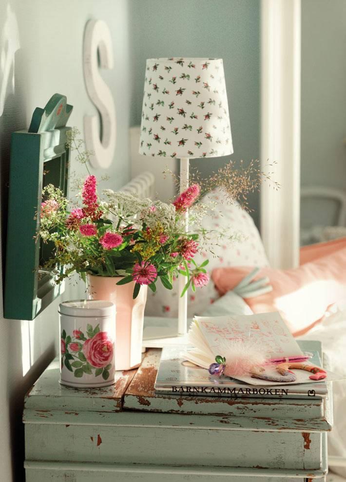 декор в цветочек в детской комнате фото