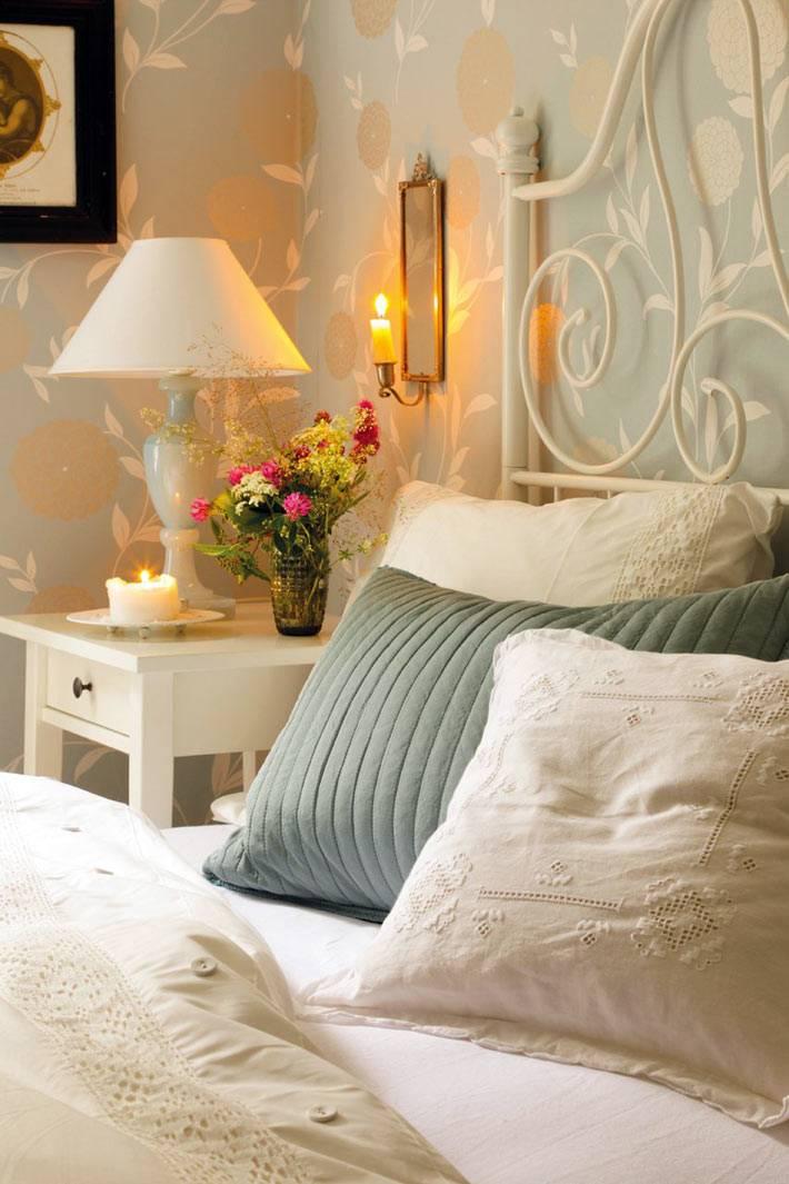 уютная спальня с мебелью икеа в загородном доме фото