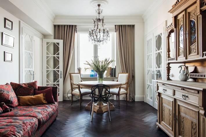 дизайн интерьера гостиной комнаты в московской квартире