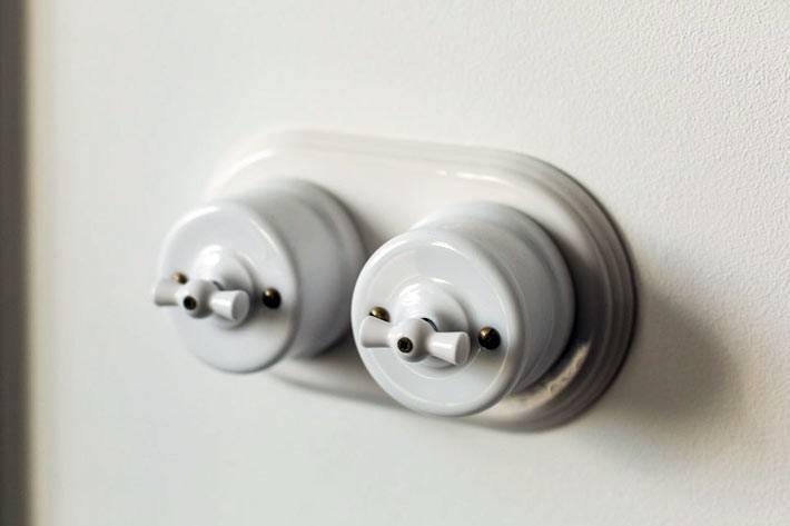 оригинальные выключатели в ретро-стиле фото