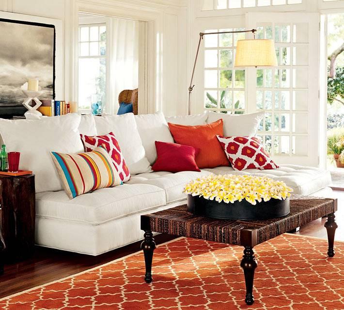 красивый дизайн гостиной комнаты с настроением фото