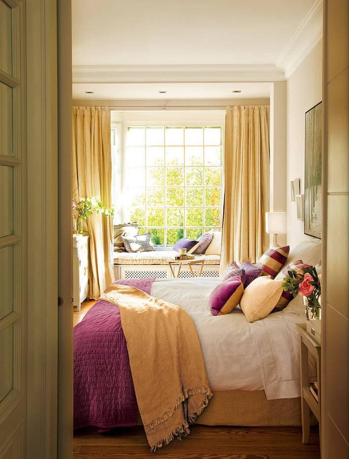 Красивый интерьер спальни с романтическим настроением