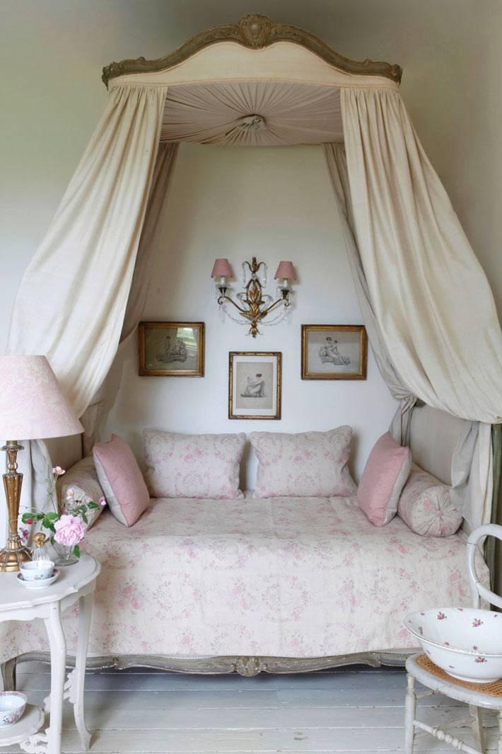 стиль шебби-шик в дизайне спальни с пологом фото