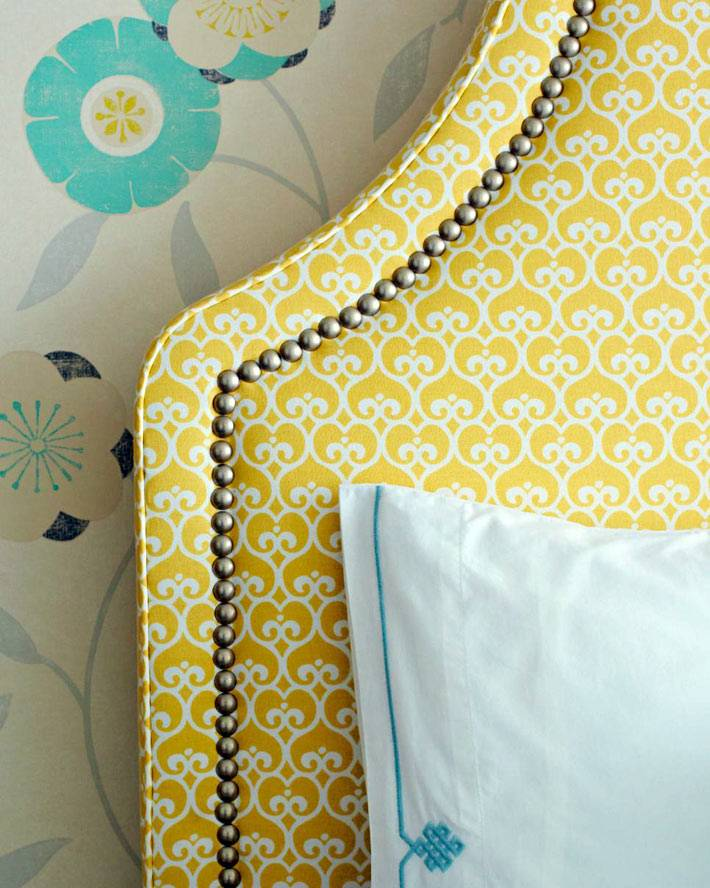 красивое желтое изголовье кровати своими руками