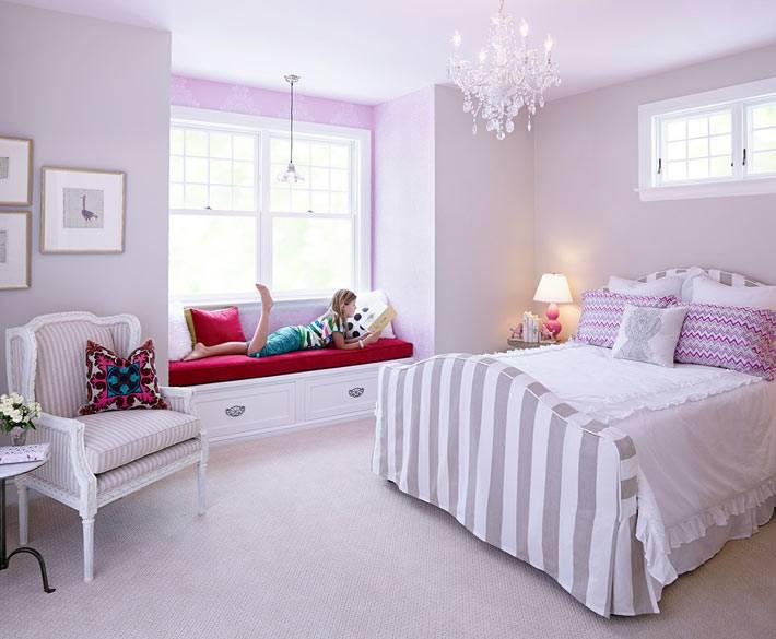 светло фиолетовый цвет в интерьере комнаты подростка-девочки