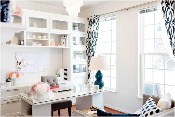 белый цвет в дизайне рабочего кабинета
