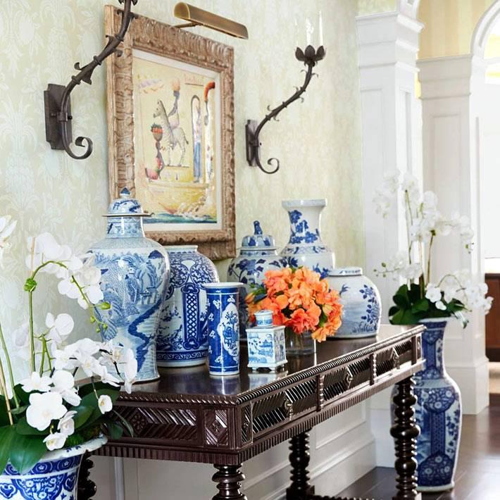 синие китайские вазы для цветов в доме