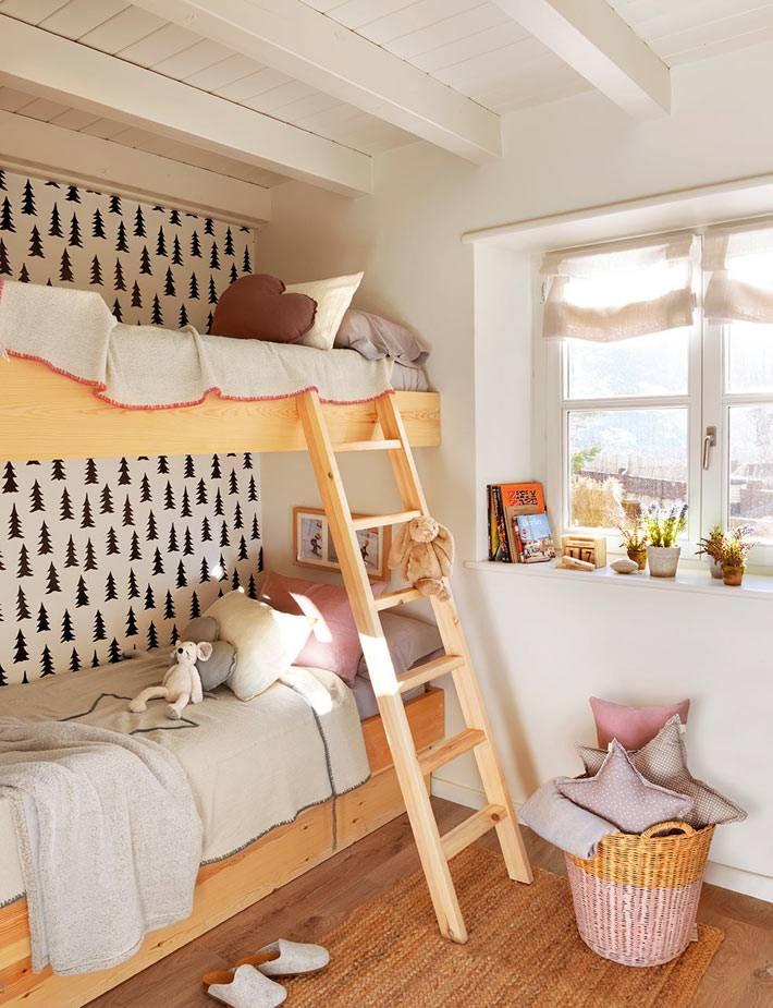 красивый интерьер детской комнаты с двухърусной кроватью