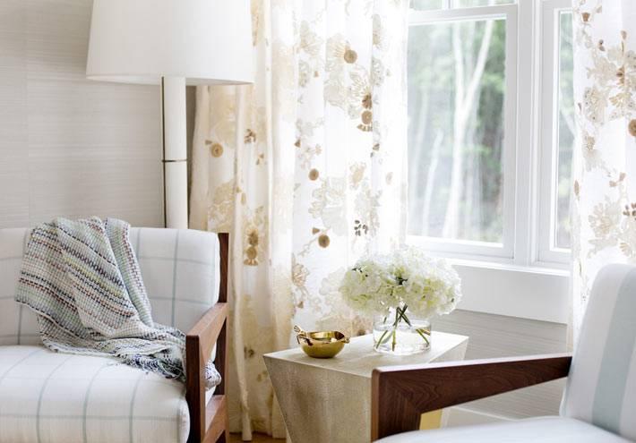 фотографии красивого интерьера спальни в нежных оттенках