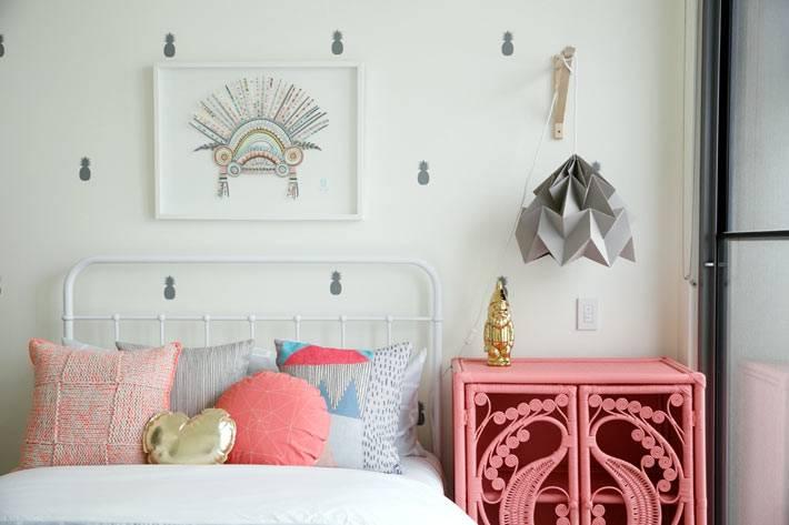красивая яркая мебель для детской комнаты девочки