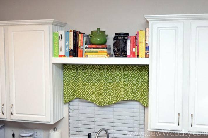 маленькая полочка для кулинарных книг фото