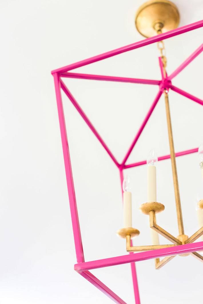 стильный розовый светильник на кухне фото