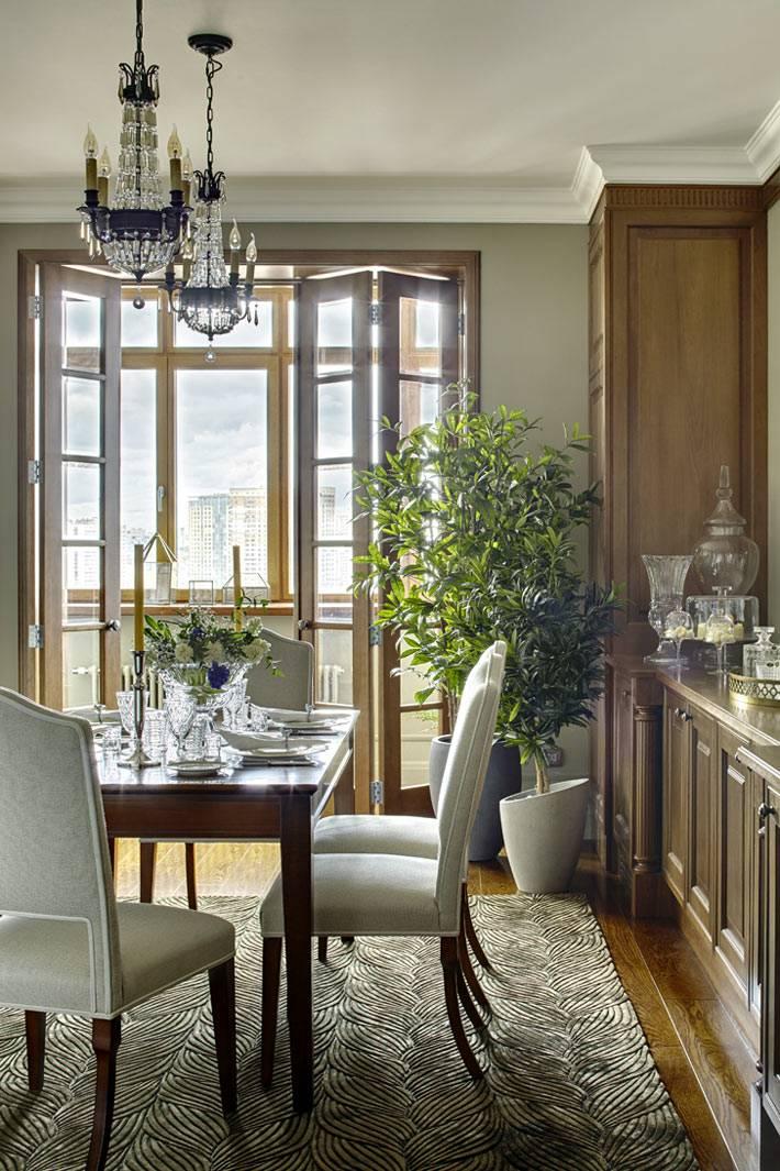 красивый интерьер кухни с обеденным столом фото