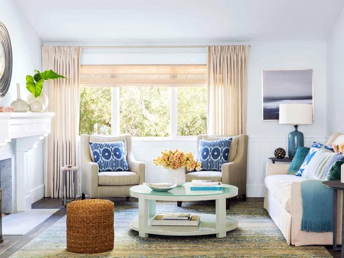 красивый светлый дизайн интерьера гостиной комнаты