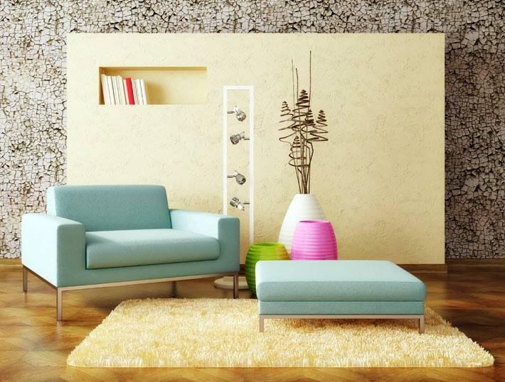 разноцветные напольные вазы в комнате фото