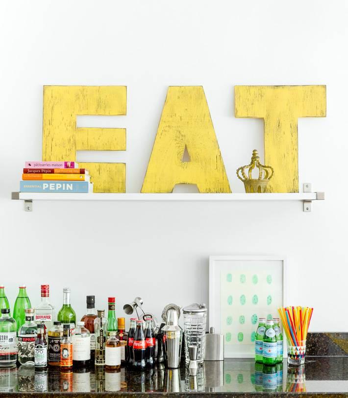 декор дома с помощью деревянных букв фото