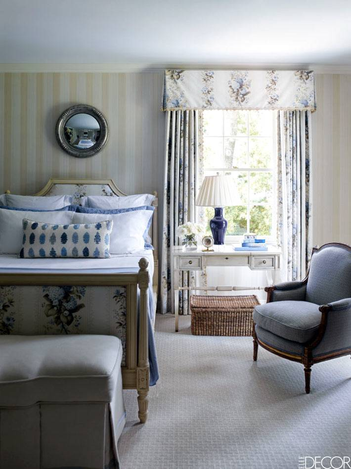 интерьер спальни в пастельных тонах в викторианском стиле фото