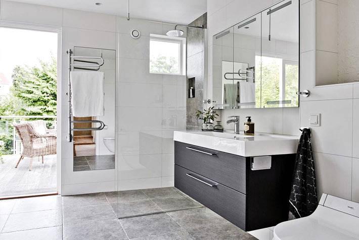 дизайн ванной комнаты в скандинавском стиле с выходом на террасу
