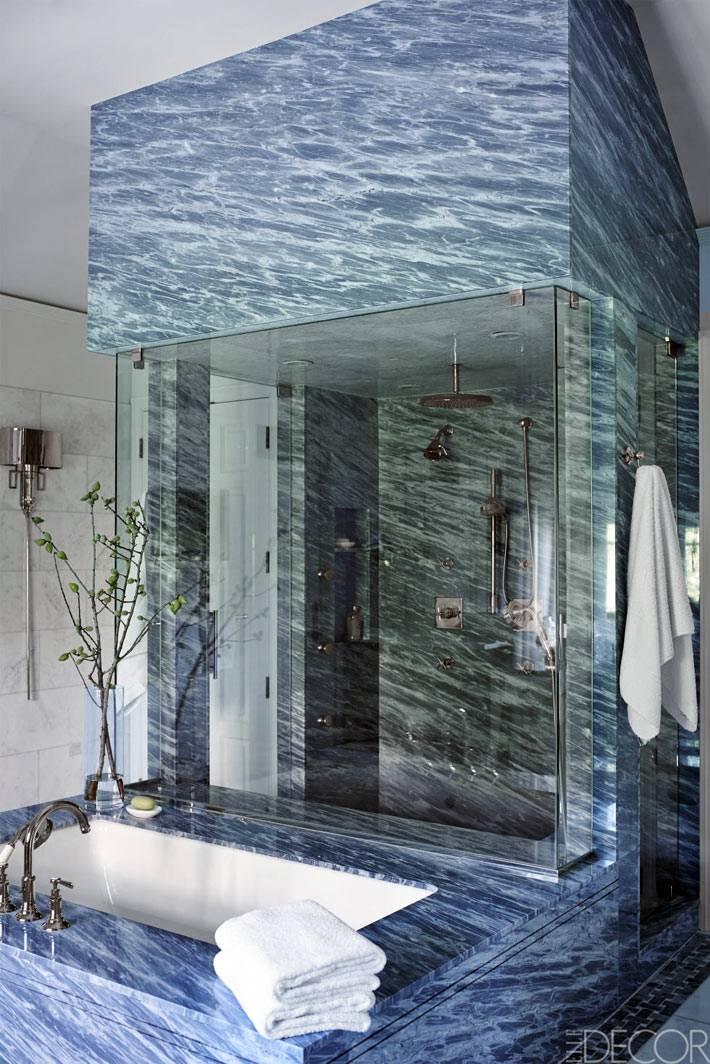 мрамор в дизайне ванной комнаты с душевой кабиной