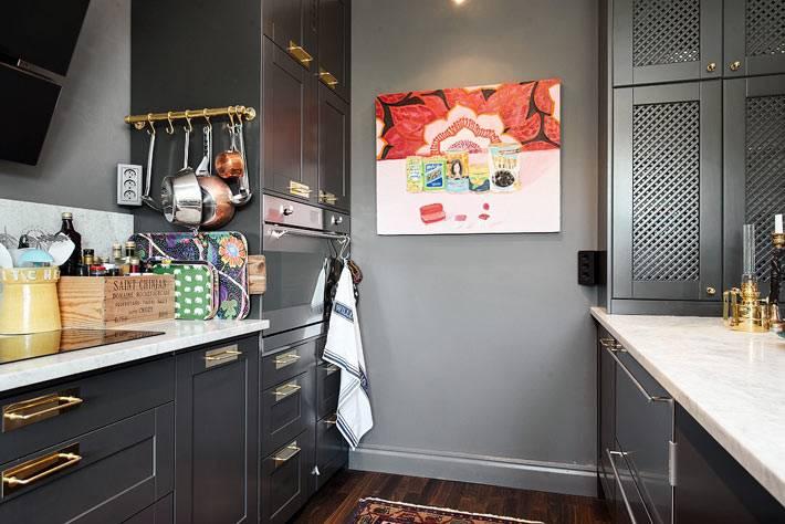 черные фасады и кухонная мебель черного цвета фото