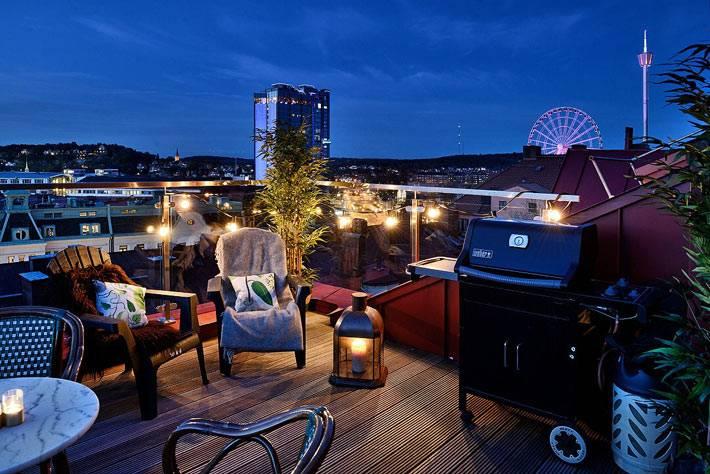 открытая терраса с красивым видом на город из квартиры