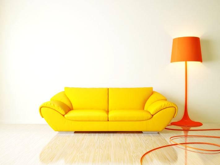 желтый диван - яркая мебель для гостиной комнаты