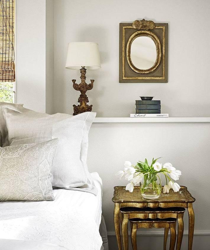 модульный золотой прикроватный столик в спальне фото