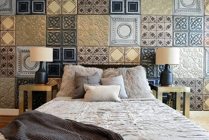 красивый интерьер спальни с золотым декором фото