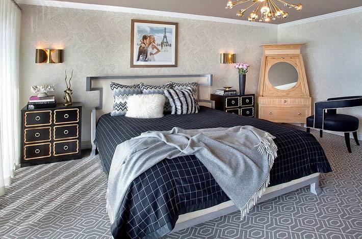 мебель для спальни - прикроватная тумба черная с золотом фото