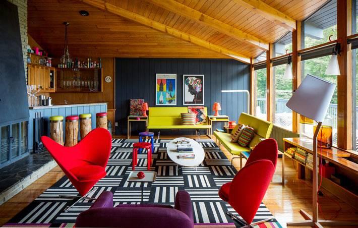яркие элементы мебели в дизайне интерьера фото
