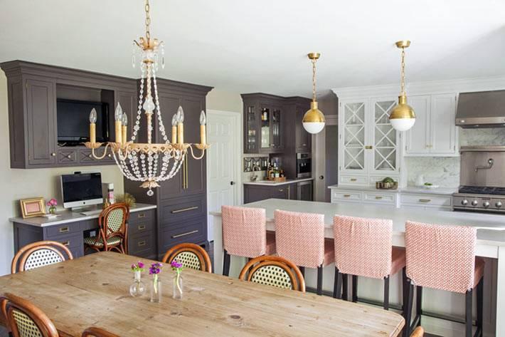 фотографии красивого интерьера кухни с подвесными люстрами