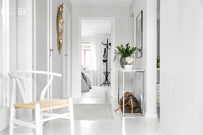 белая мебель в дизайне квартиры в скандинавском стиле