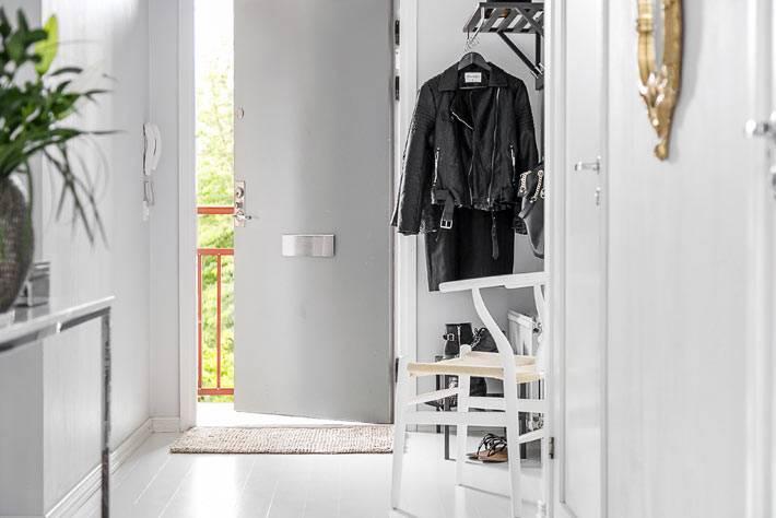 скандинавский стиль в интерьере прихожей квартиры фото