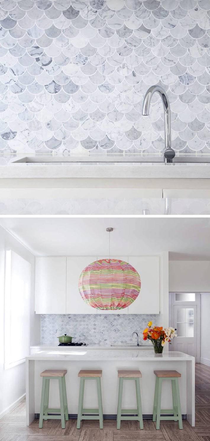 серая плитка рыбья чешуя в дизайне кухни фото