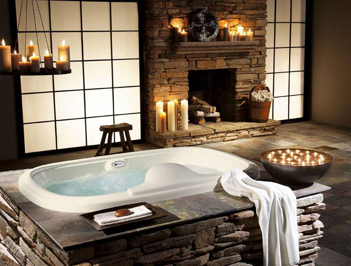 свечи в интерьере ванной комнаты для романтической атмоферы