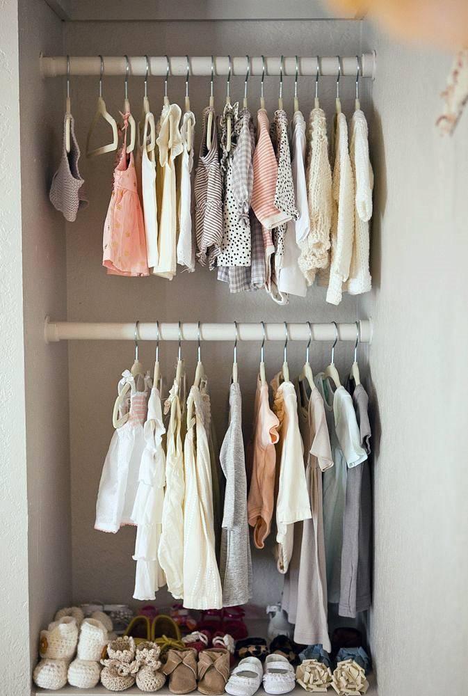 двухуровневый шкаф для хранения детской одежды фото