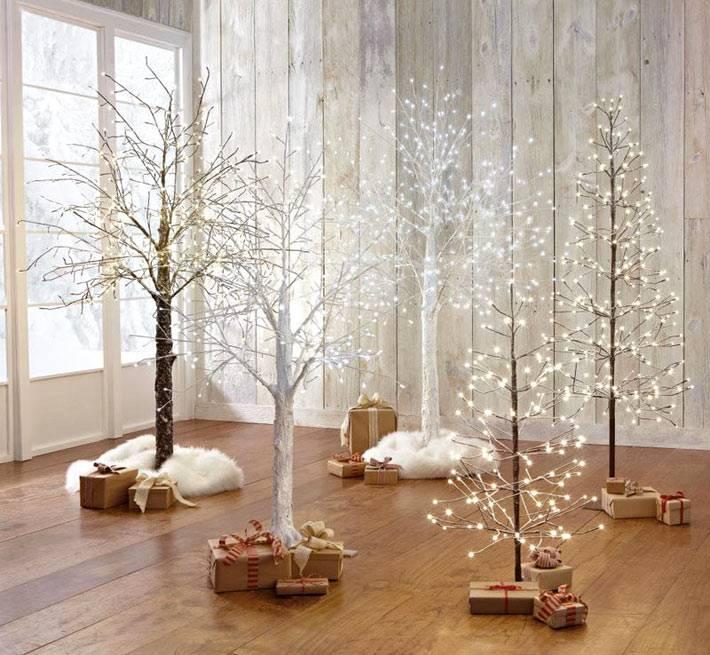 современная альтернативная елка из гирлянд фото
