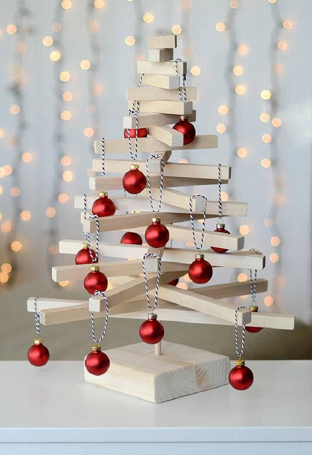 самодельная новогодняя елка из деревянных дощечек